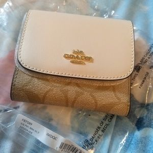 NEW COACH Signature Small Tri-fold Wallet